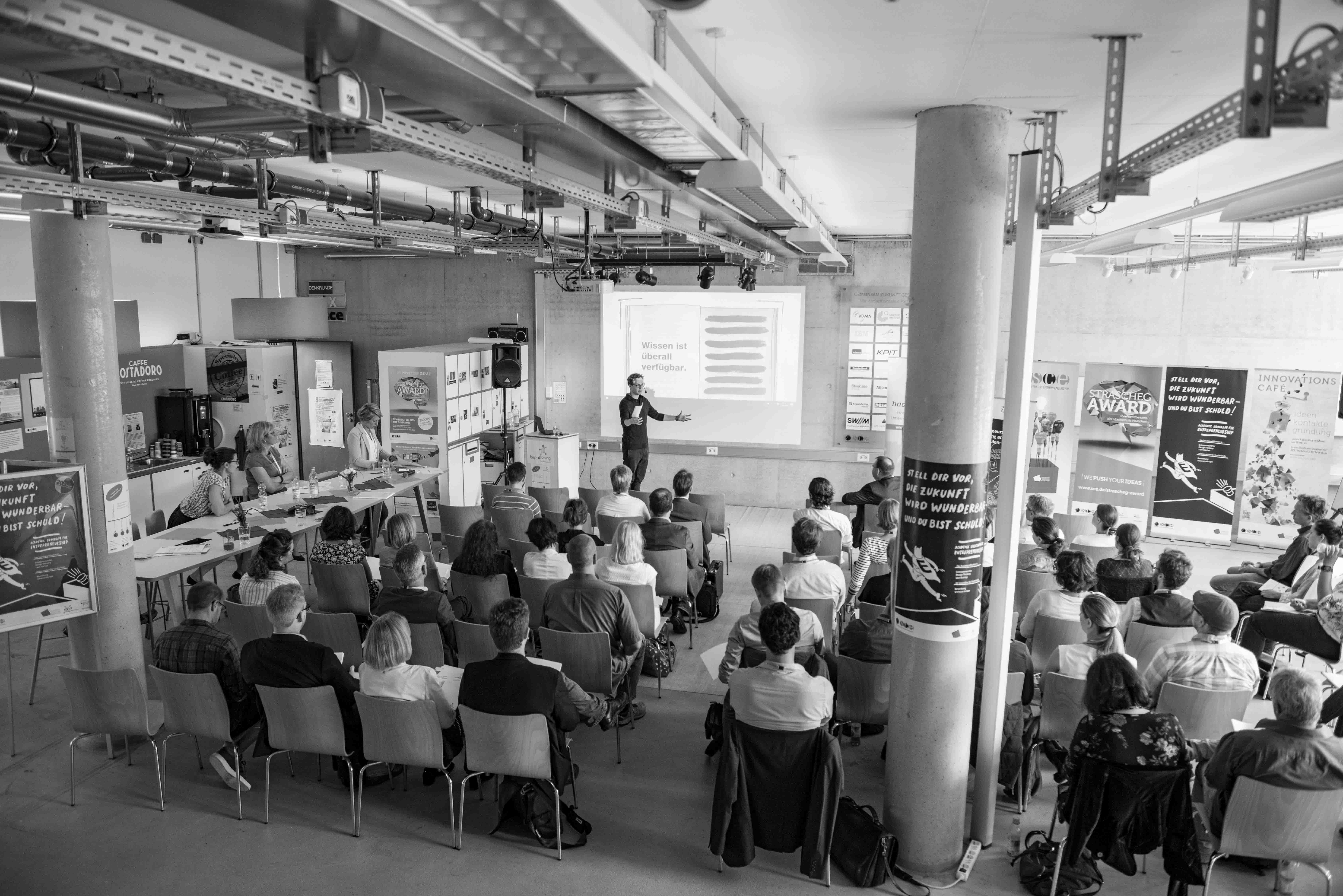 Hochsprung KOnferenz 2018 im Strascheg Center
