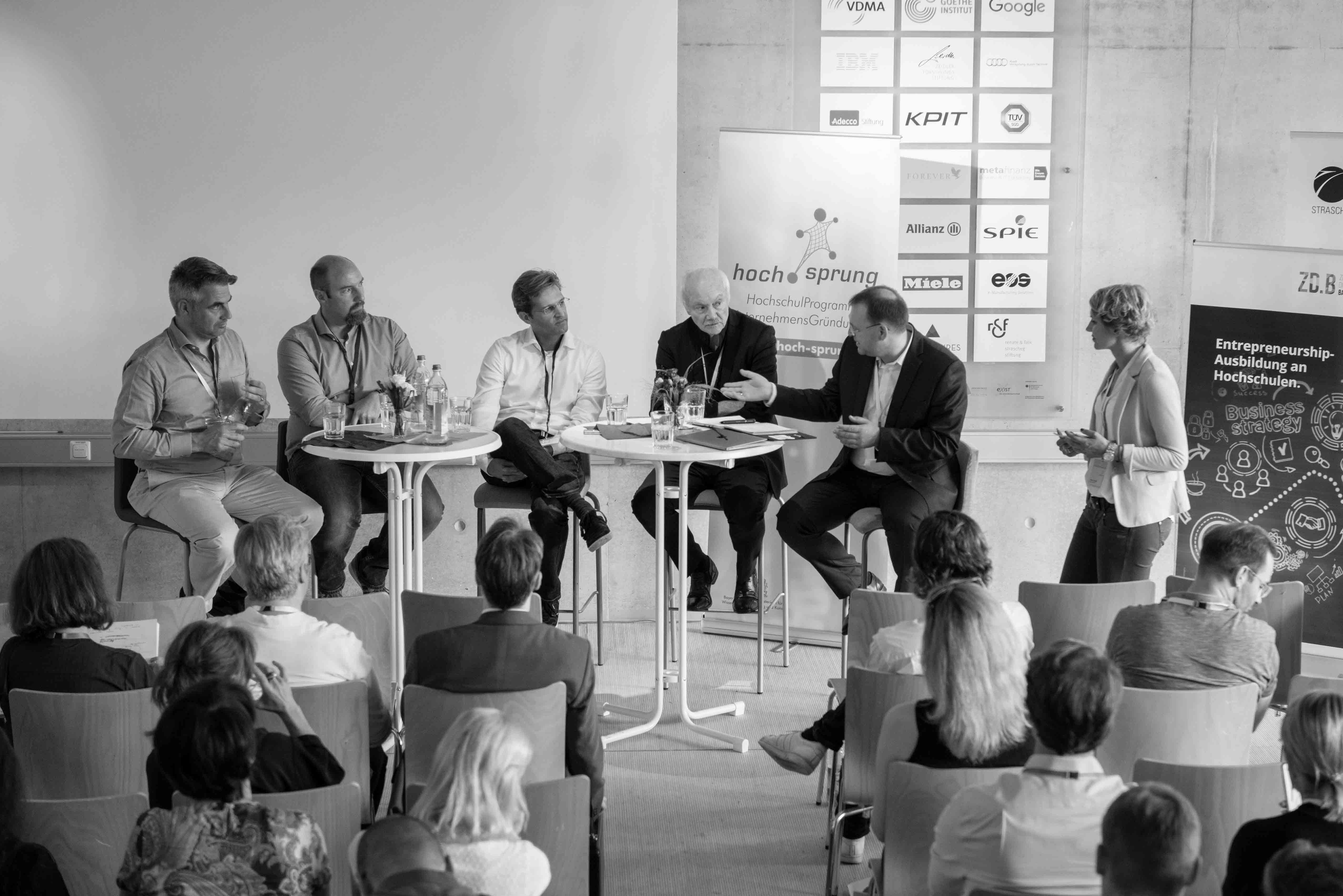 Hochsprung_Konferenz_Diskussion